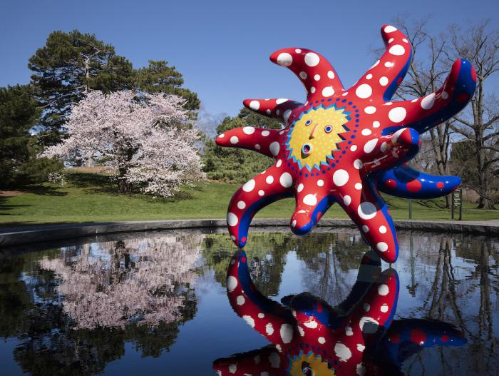 """The sculpture """"I Want to Fly to the Universe"""" by Japanese artist Yayoi Kusama."""